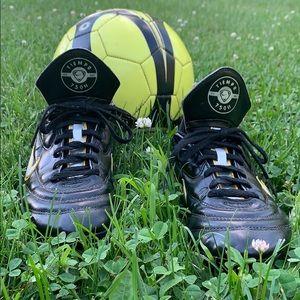 Unisex Kids Nike Tiempo Soccer Cleats ⚽️